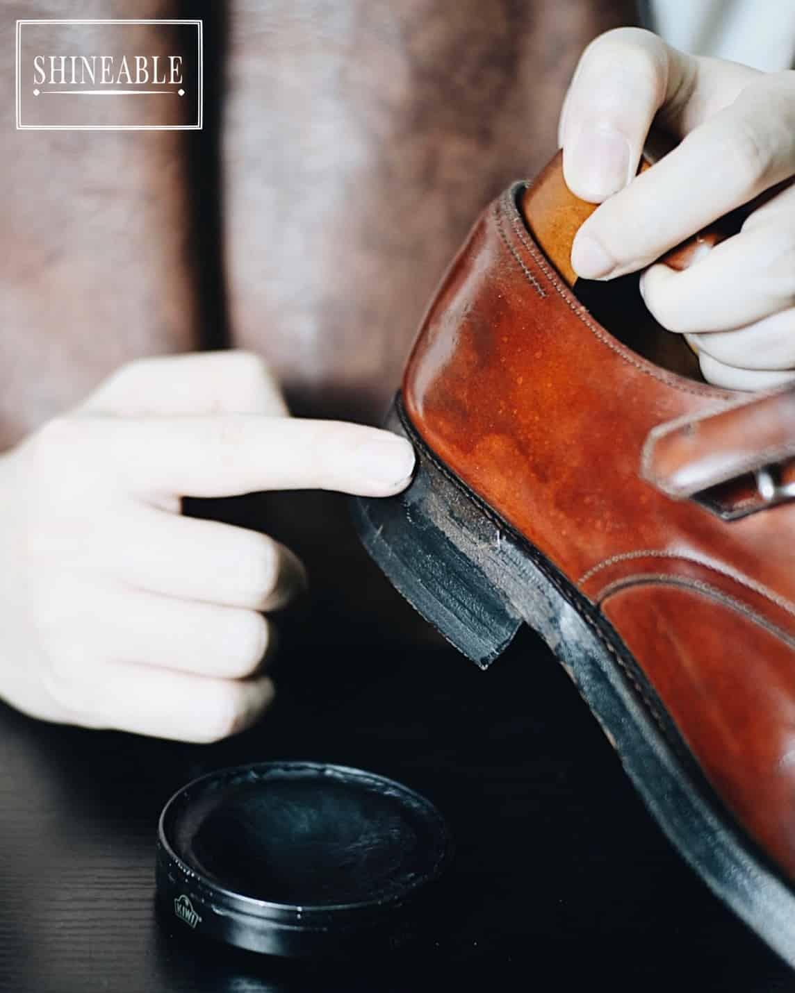 ขัดขอบรองเท้าให้สีสวยและเงาเหมือนใหม่ (Sole and Heel Edge Repair)